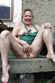 big_granny_pussy158.jpg