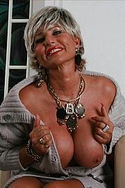 big_granny_pussy153.jpg