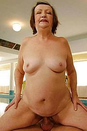 big_granny_pussy136.jpg