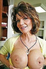 big_granny_pussy130.jpg