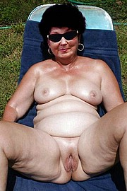 big_granny_pussy73.jpg
