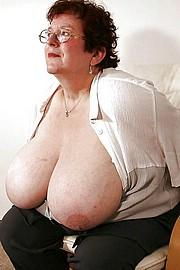 big_granny_pussy75.jpg