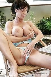 big_granny_pussy54.jpg
