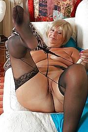 big_granny_pussy33.jpg