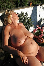 big_granny_pussy32.jpg