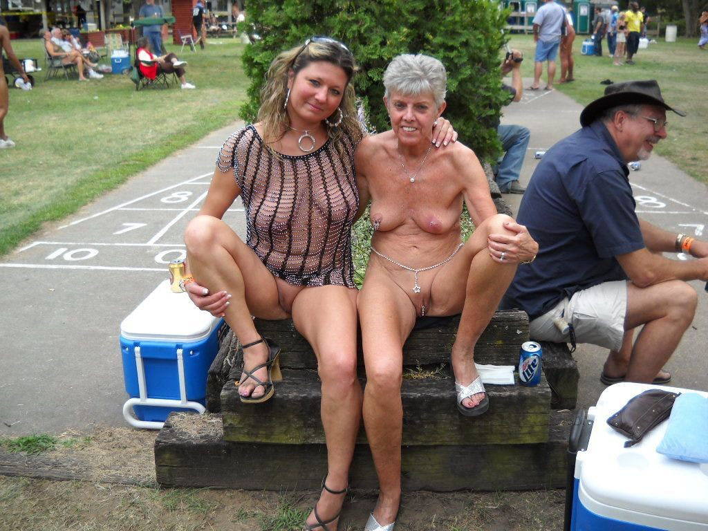 голые на публике фото скачать торрент