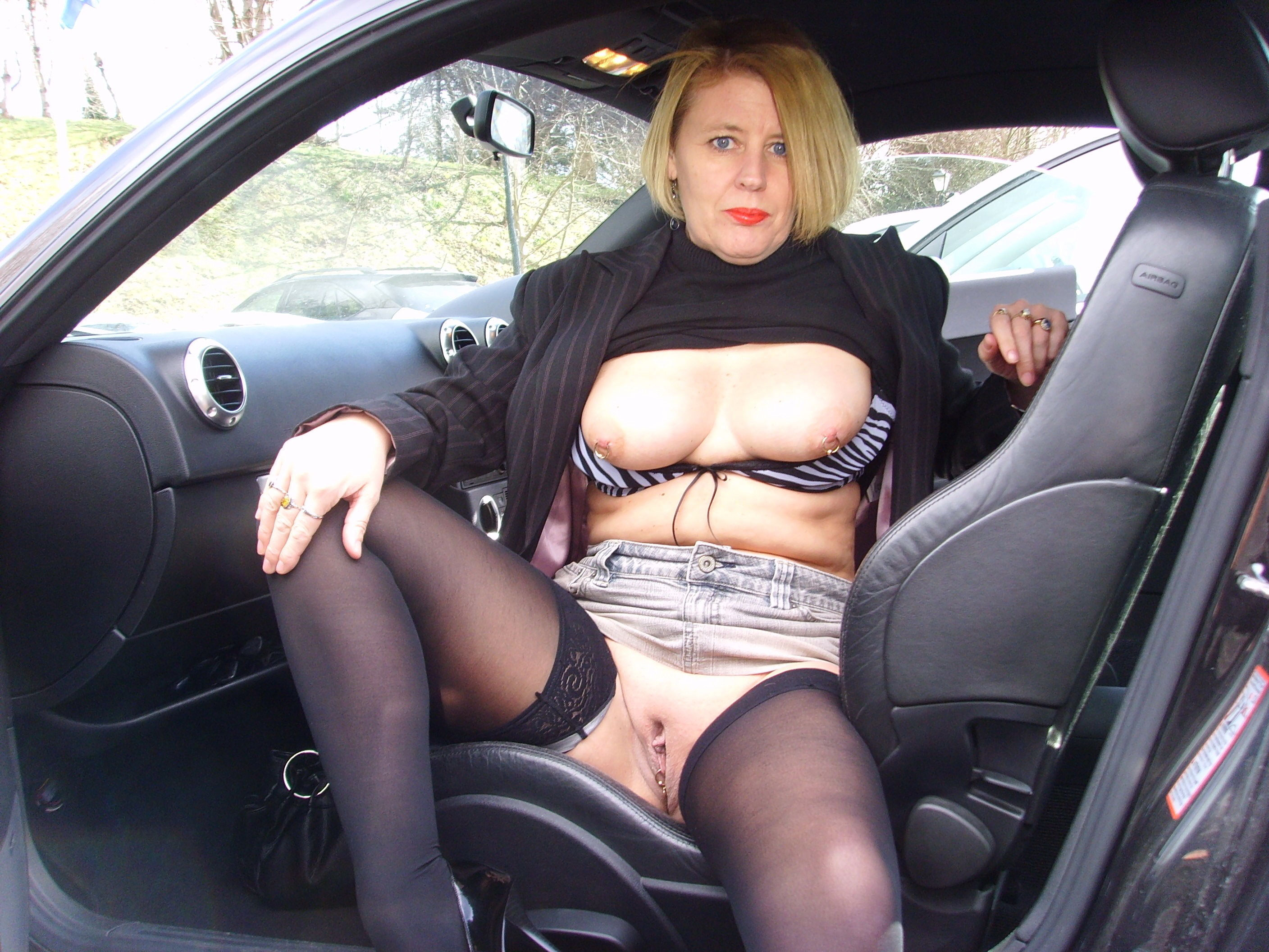 car with mom nude