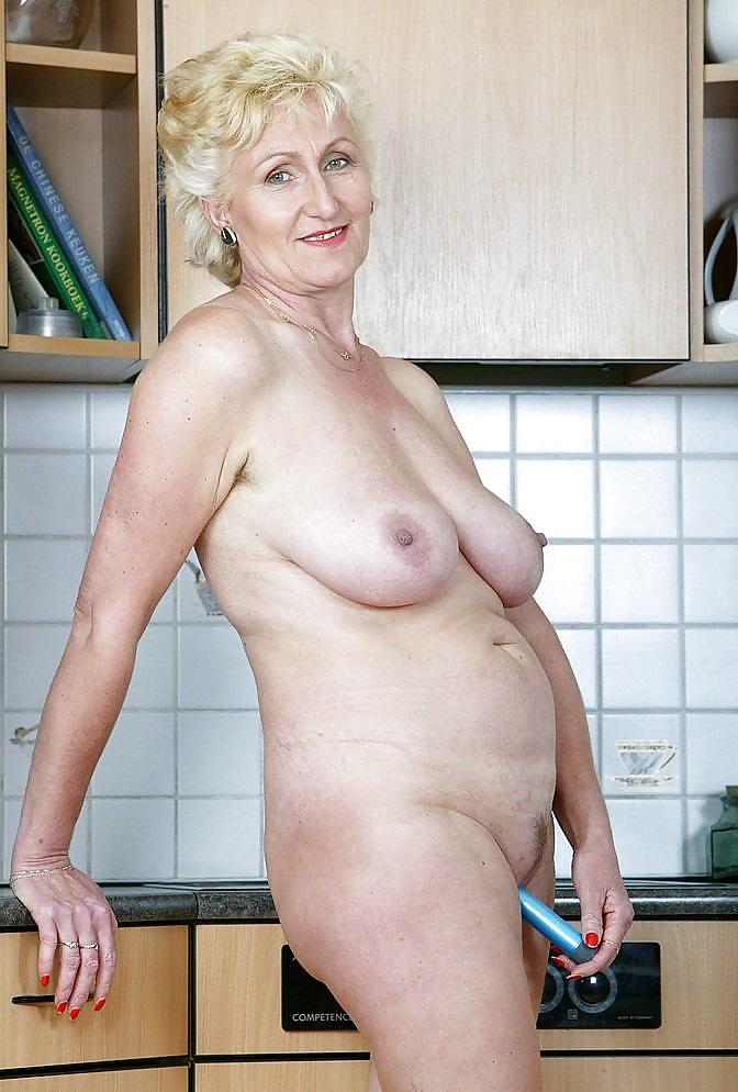пожтилые красивые женщины голые
