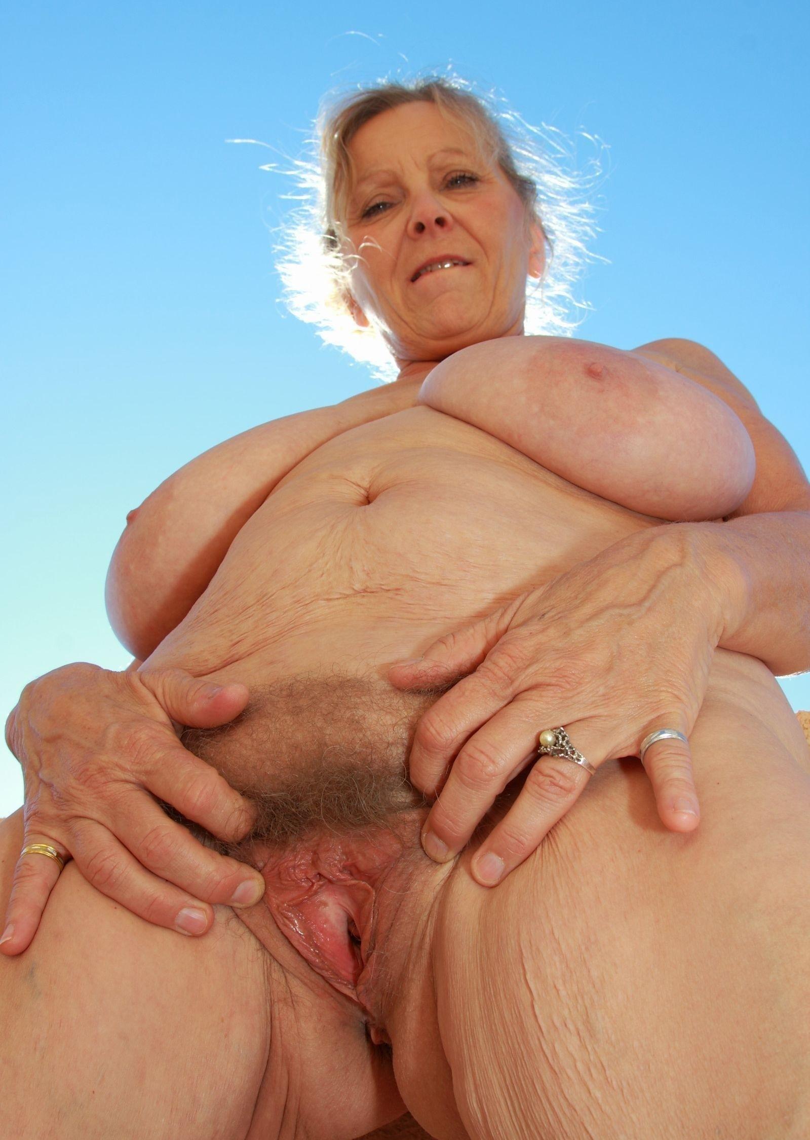 видео клиторные бабушки