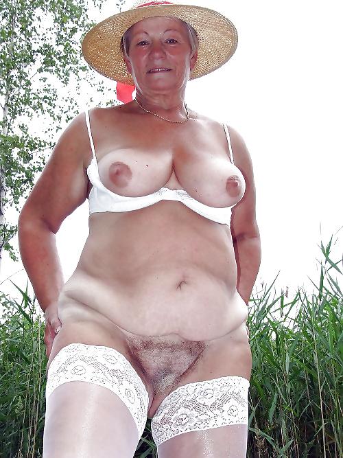 фото старых женщин голых