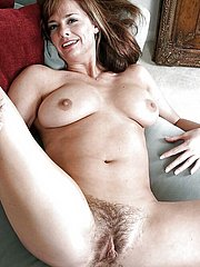natural hairy women