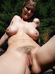 natural hairy girl
