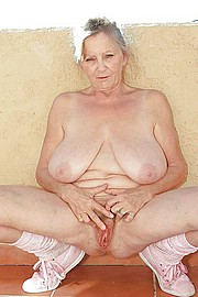 granny_big_boobs21.jpg