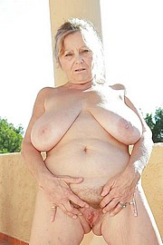 granny_big_boobs22.jpg