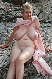 granny-big-boobs011.jpg