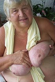 granny-big-boobs134.jpg