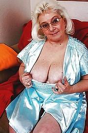 granny-big-boobs160.jpg