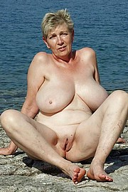 granny-big-boobs184.jpg