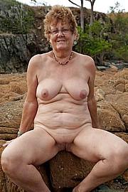 granny-big-boobs223.jpg