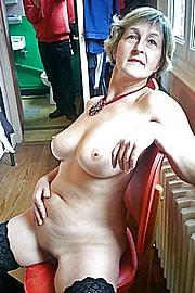 grannie-blow-jobs54.jpg