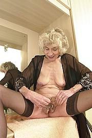 granny-sex279.jpg