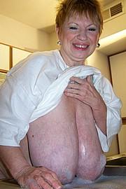granny-sex405.jpg