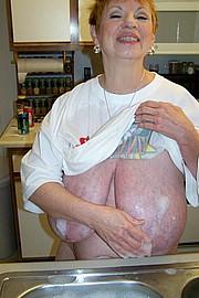 granny-sex467.jpg