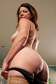 granny-sex476.jpg