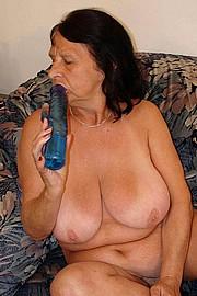 granny-sex481.jpg