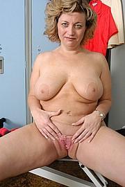 mature-granny-fat006.jpg