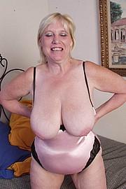 mature-granny-sluts38.jpg