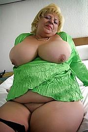 big_granny_pussy374.jpg