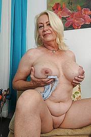 big_granny_pussy376.jpg