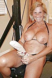 big_granny_pussy354.jpg