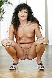 big_granny_pussy326.jpg