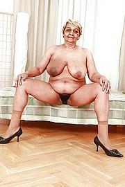big_granny_pussy43.jpg