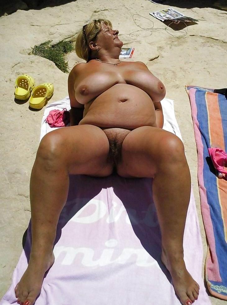 Naked tf tg