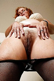 big_granny_pussy31.jpg