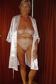 big_granny_pussy09.jpg