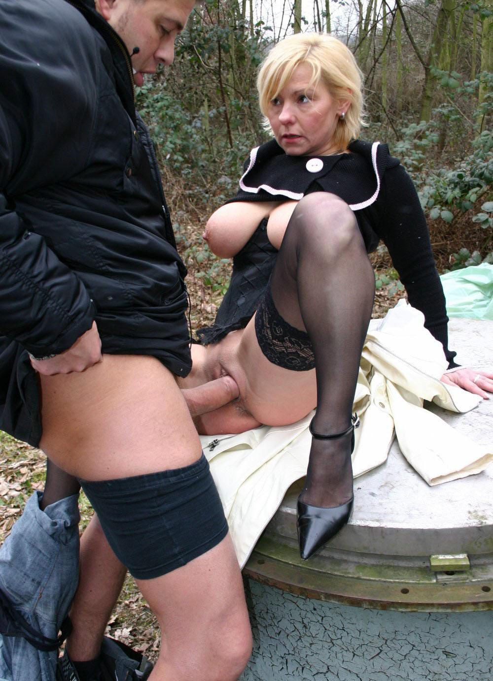 Лола феррари порно видео со зрелой дамой на улице