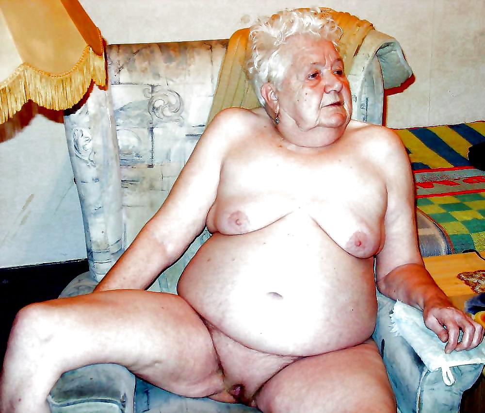 она, вымыв фото старых голых очень толстых женщин появляется парень