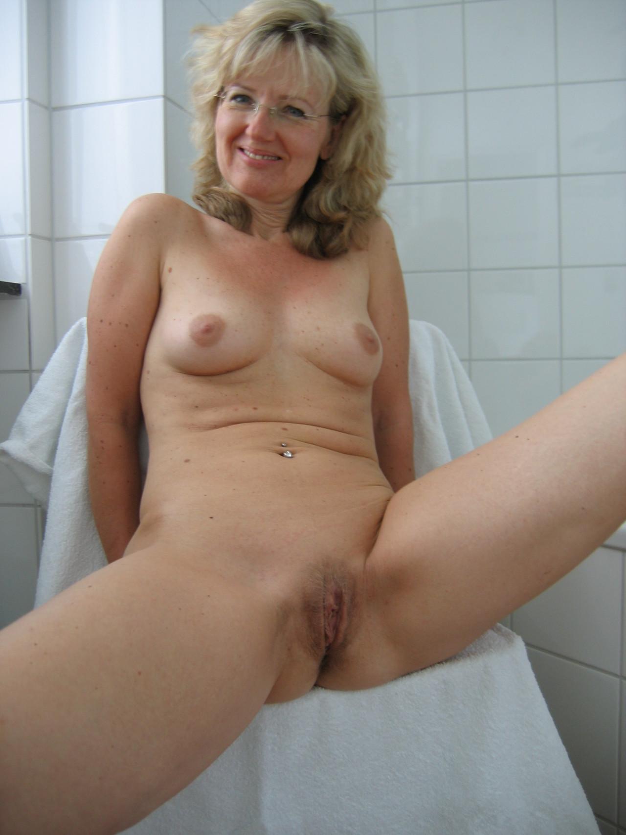 Photos of mature nude women-3331